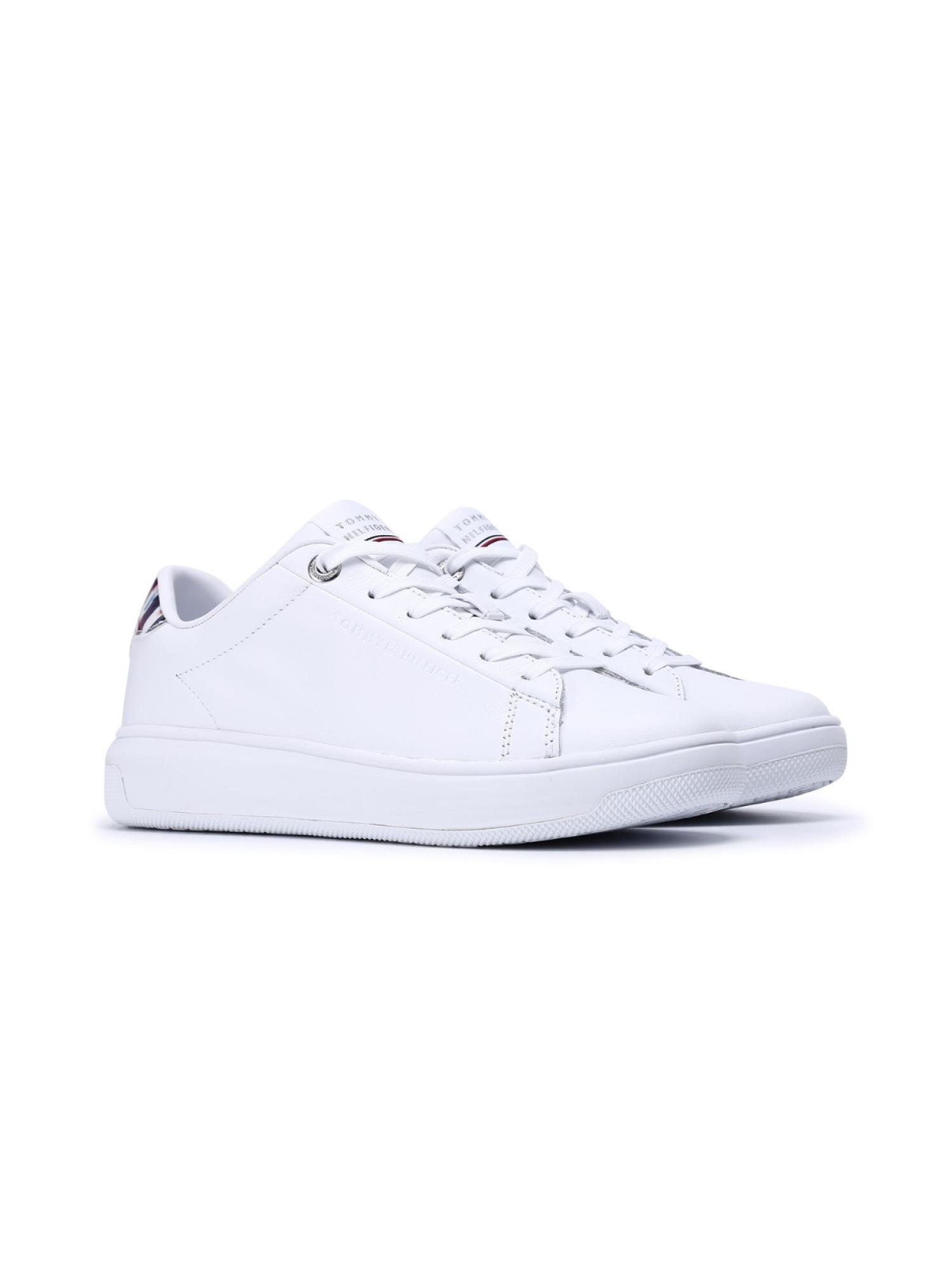皮革休闲小白鞋