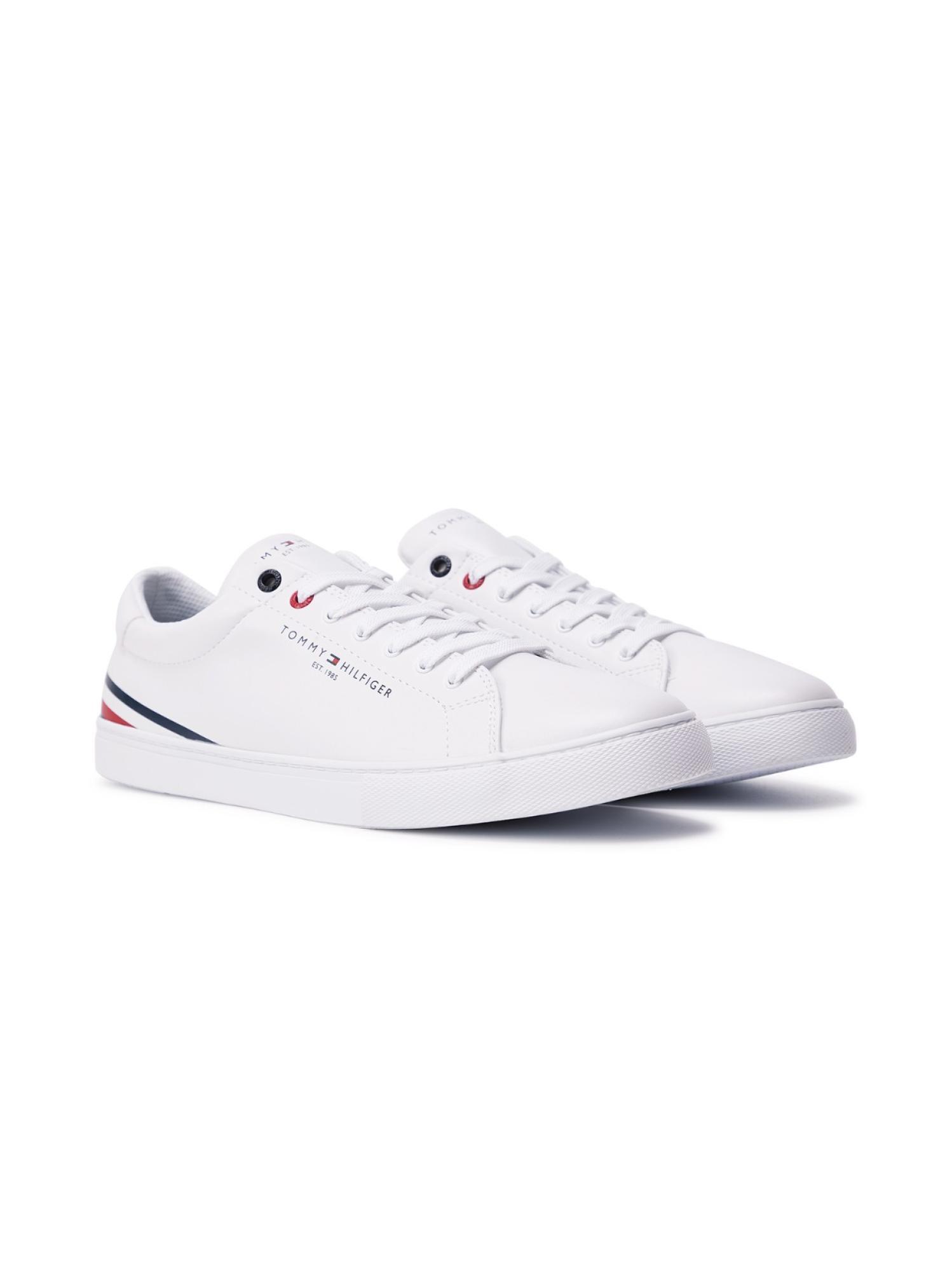 LOGO印花小白鞋